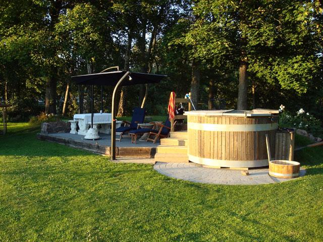 Tinozza da bagno con stufa a legna t 220 id sauna for Tinozze da giardino